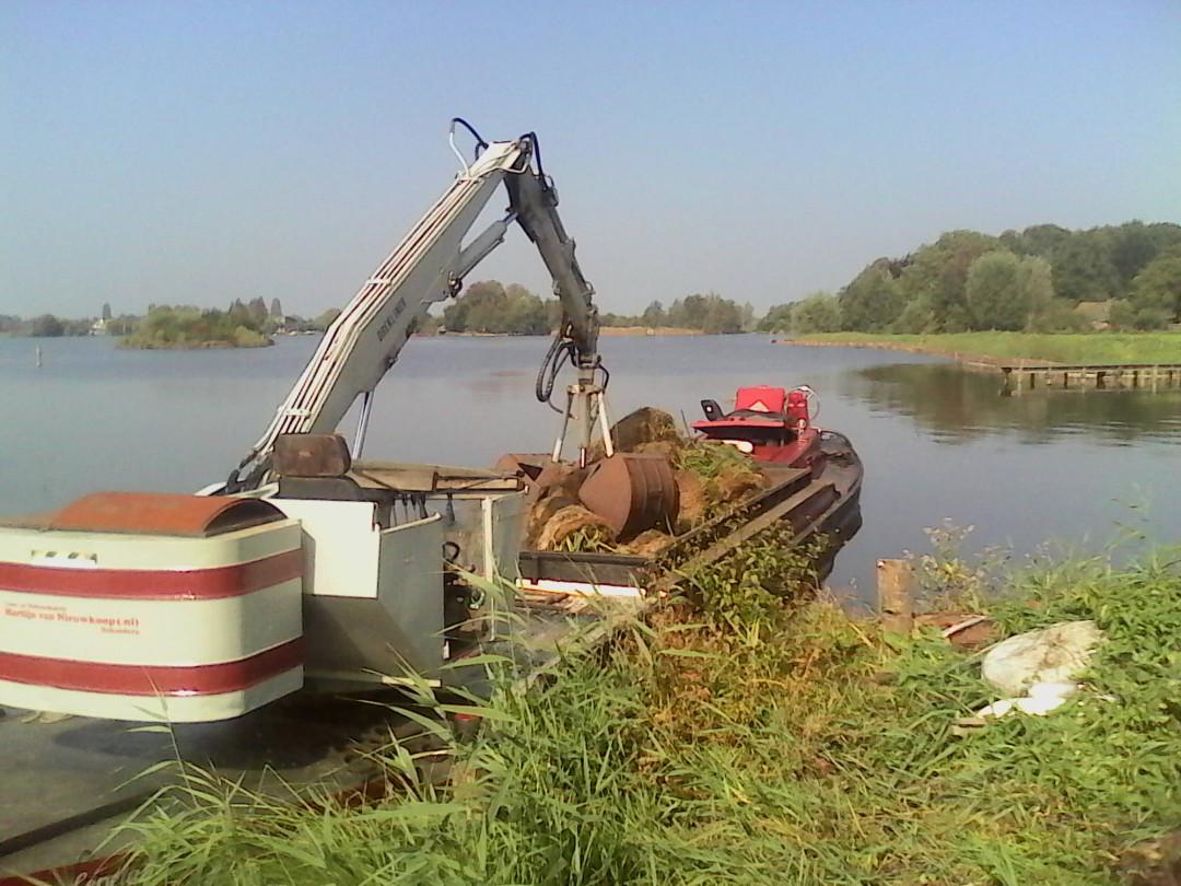 Kraanboot te Reeuwijk